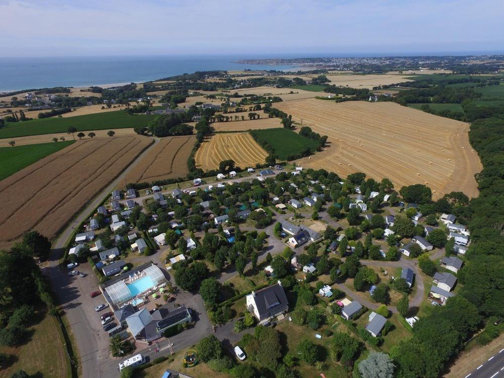 Camping Sites et Paysages BELLEVUE, 104 emplacements, 28 locatifs
