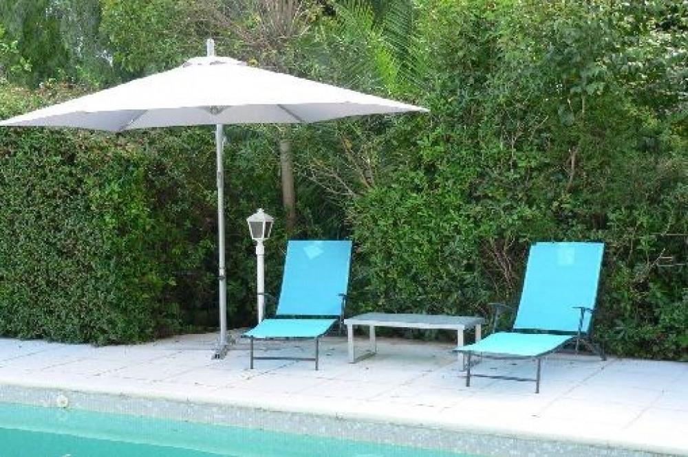 """villa"""" casa greca"""" à Menton sur la Riviera avec piscine et vue sur mer"""