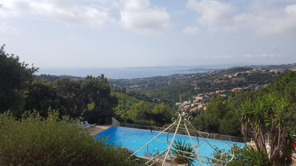 Location vacances Roquebrune-sur-Argens -  Appartement - 5 personnes - Terrasse - Photo N° 1