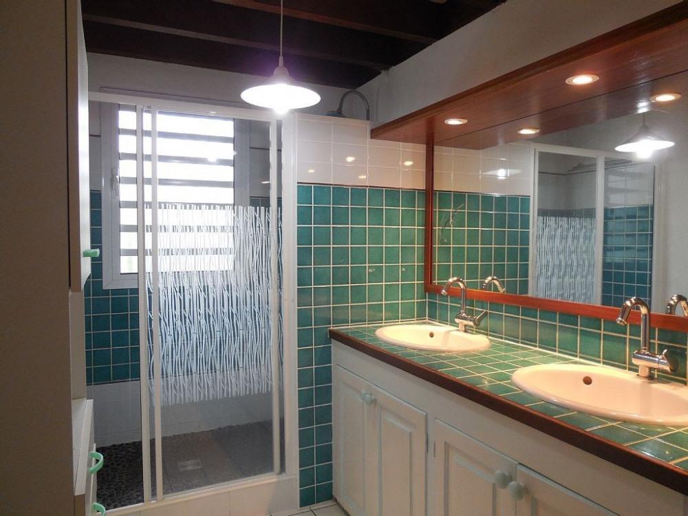 Salle de bain R .de chaussée