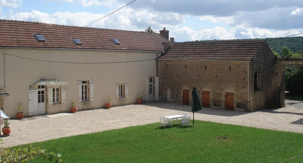 Gîte Bourgogne route des vins, 6-8personnes, au calme,  avec parc et tennis, proche Nuits St Georges