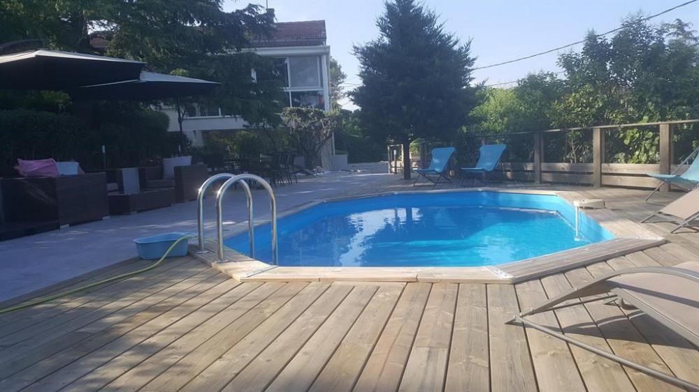 jardin,piscine vu de la veranda