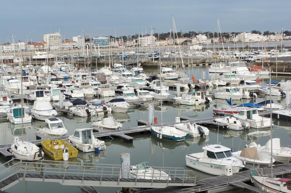Port de ROYan;traversée  vers vignobles du Médoc , ..