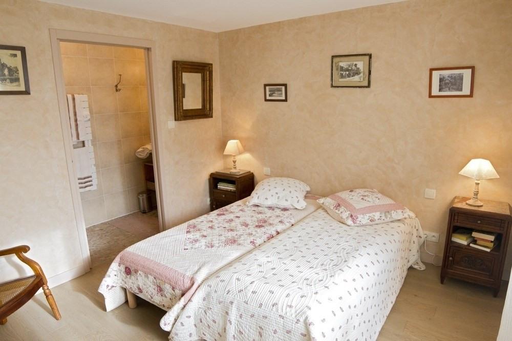 Chambre noisette avec 2 lits 80x200 possibilité de les réunir pour un lit de ...