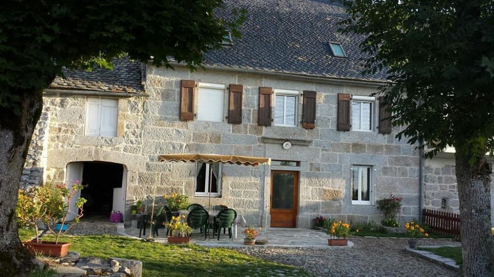 Magnifique maison en pierre avec jardin