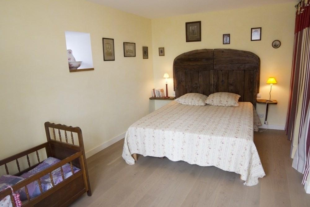 Chambre jaune avec lit 160x200