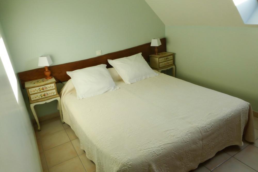 Chambre n°1 de l'étage avec les 2 lits rapprochés