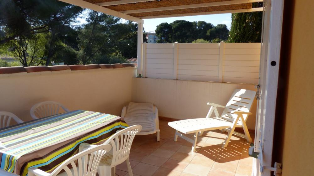 Location vacances Saint-Cyr-sur-Mer -  Appartement - 6 personnes - Chaise longue - Photo N° 1