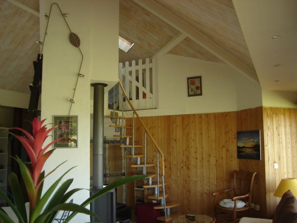 accès mezzanine/ chambre enfants