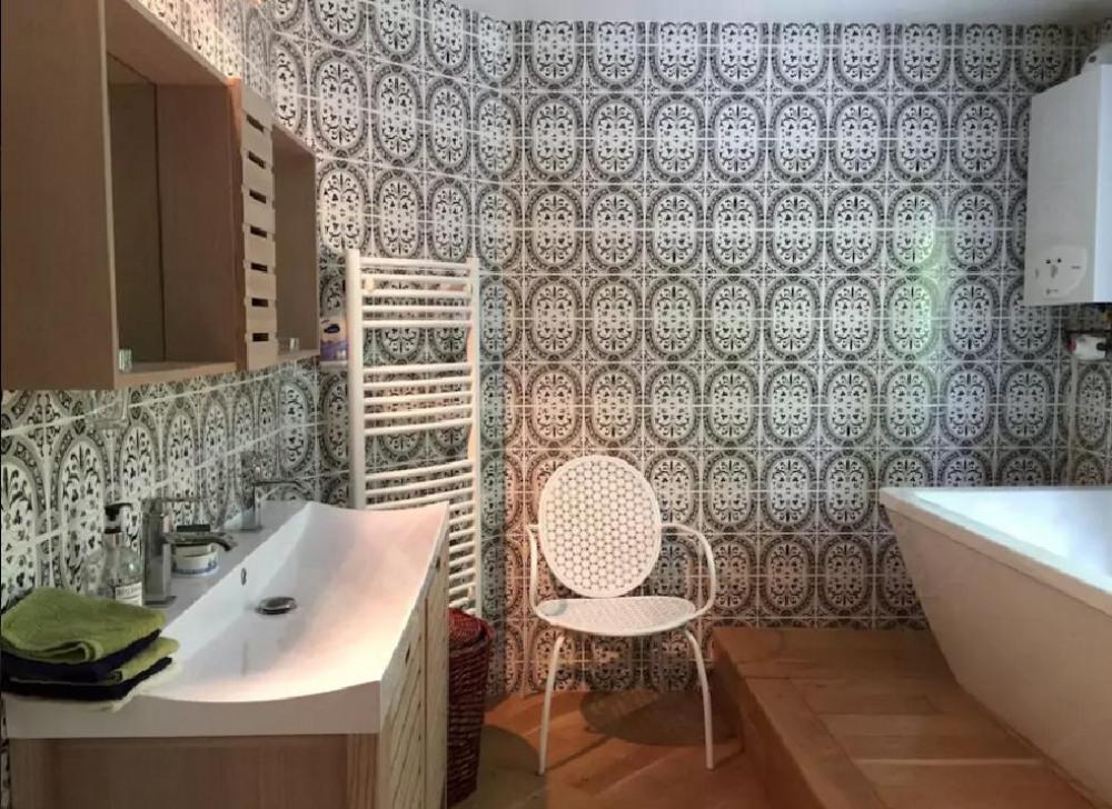 salle de bains /douche à l'italienne/baignoire/ double vasques