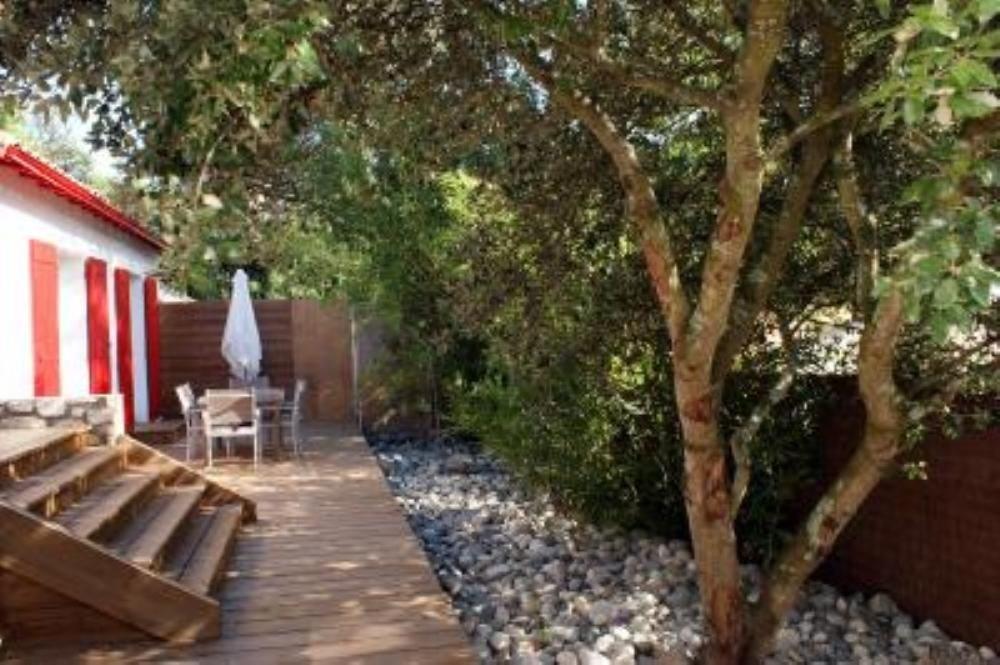 Maison de charme avec jardin et accès direct à la plage (50 mètres)