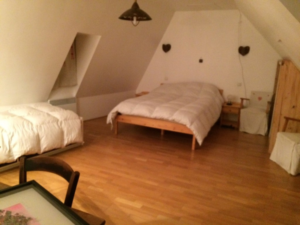 chambre spacieuse 3 personnes