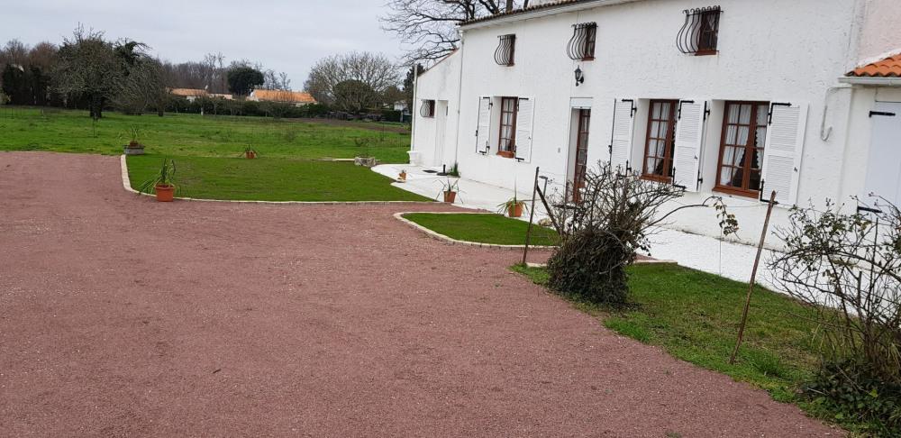 Maison Charentaise refaite en 2014  pour 4 personne(s)