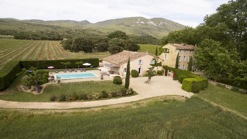 Maison Rustrel 84 Vaucluse 200m2 12 Pers Amivac