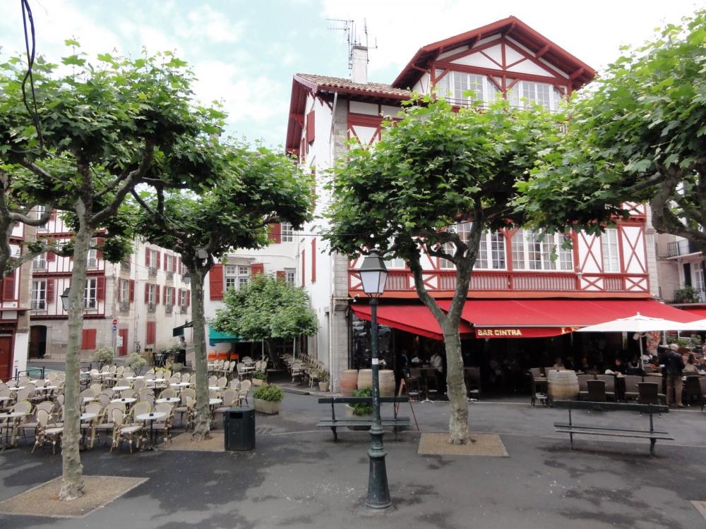 Place Louis XIV à Saint Jean de Luz
