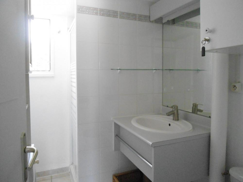 salle d'eau lavabo/douche