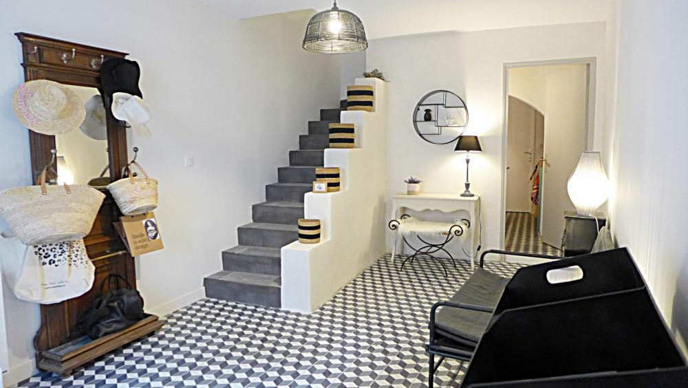Location vacances Grignan -  Maison - 4 personnes - Salon de jardin - Photo N° 1