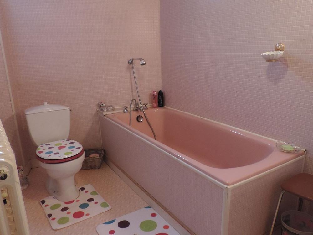 Gite des Puys Salle de bain du rez de chaussée