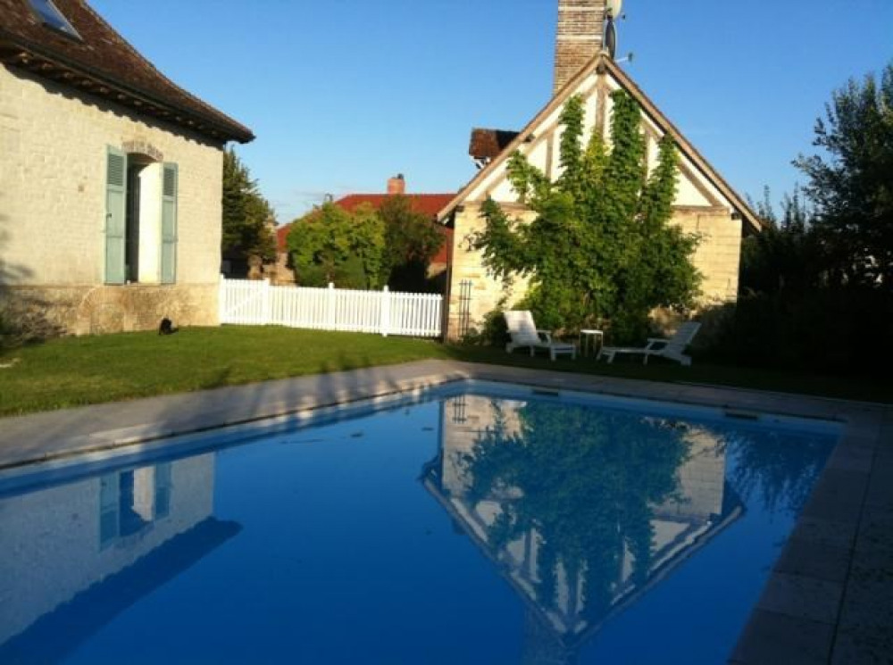 maisonnette de charme avec piscine