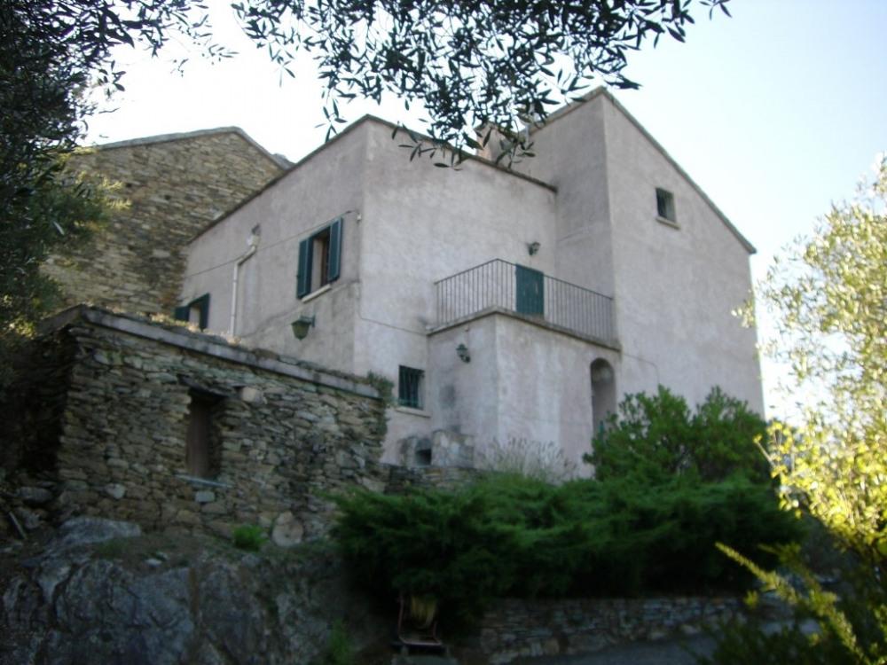 Maison a louer corse maison avec piscine et jardin for Ajaccio location maison