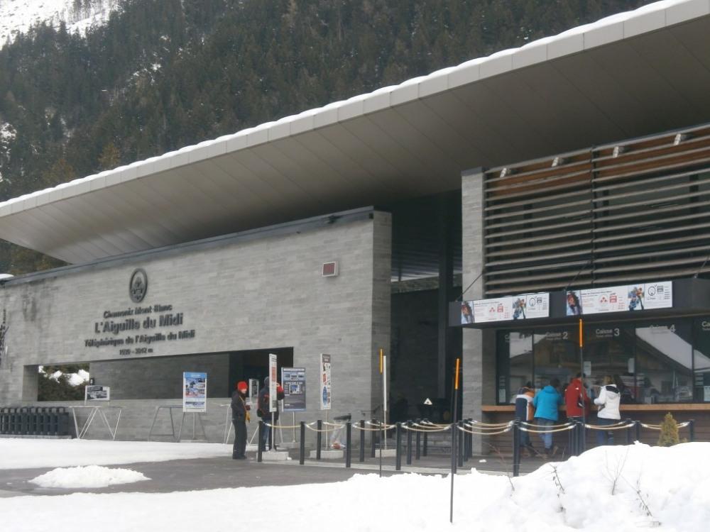 gare telepherique aiguille du midi à 100m