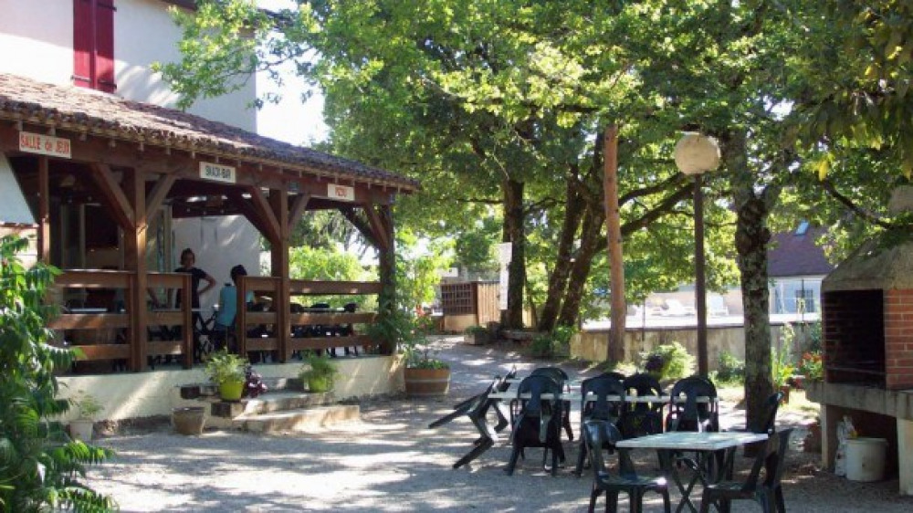 Camping LA GARRIGUE - Mobil-home AVEC sanitaires