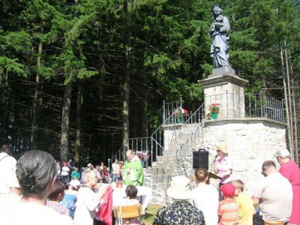 la grande statue de Puy Bayou à proximité