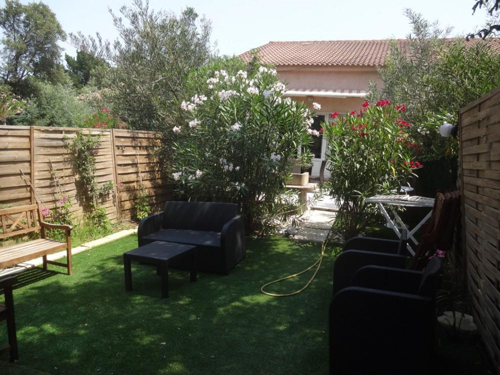 jardinet avec espace détente