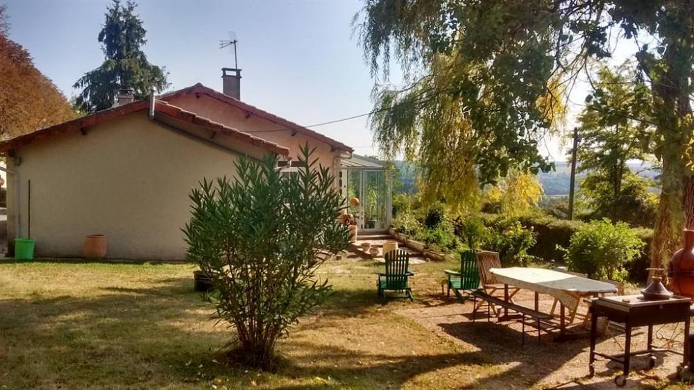 Location vacances Montagrier -  Maison - 8 personnes - Barbecue - Photo N° 1