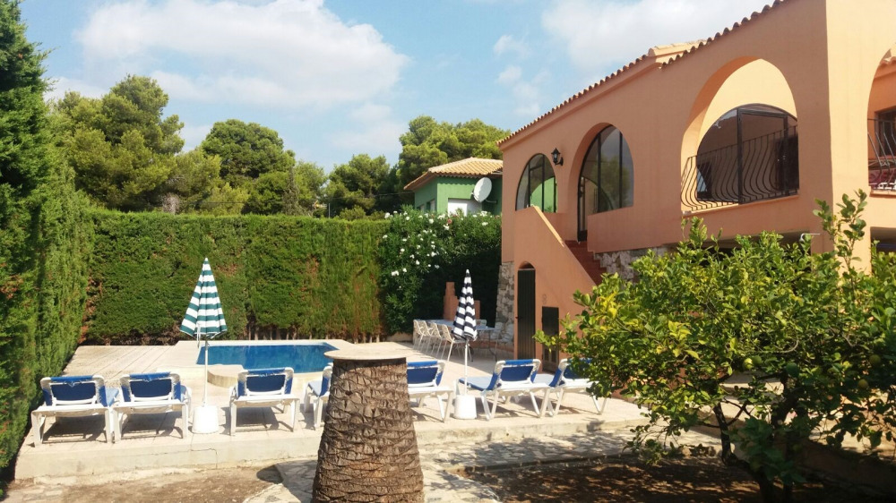 Villa Pablo for holidays at 600 mt from the beach, for 14 people