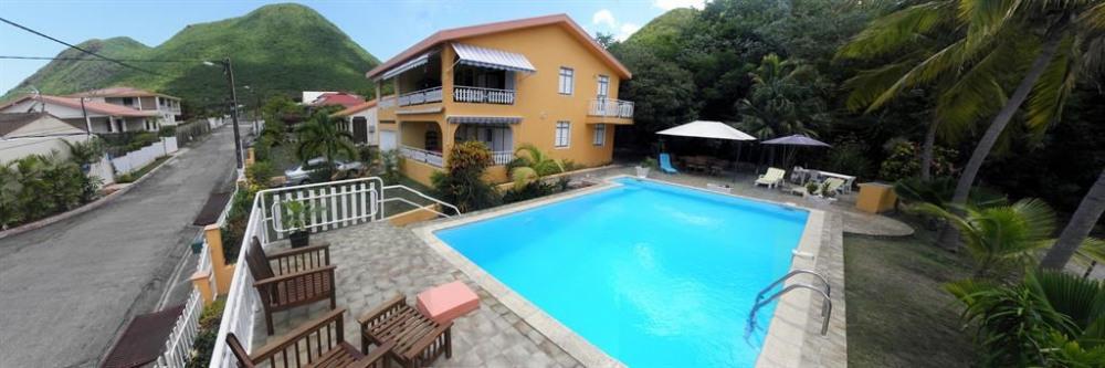 villa vue de la piscine