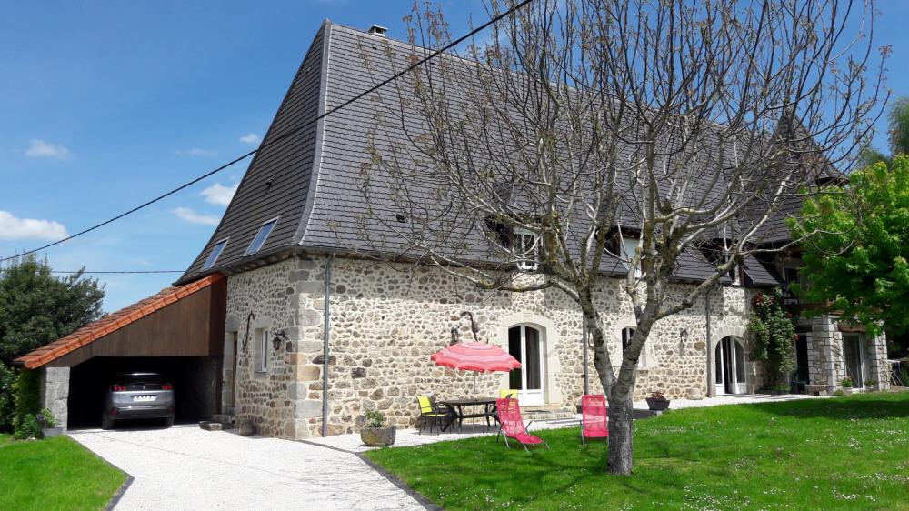 Location vacances Saint-Mamet-la-Salvetat -  Gite - 4 personnes - Barbecue - Photo N° 1