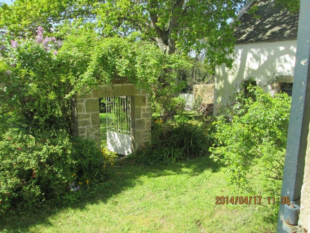 l'accès vers le garnd jardin