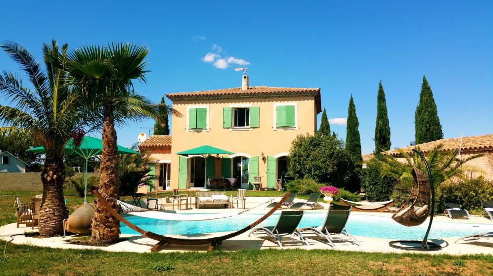 La villa type Bastide avec sa superbe piscine