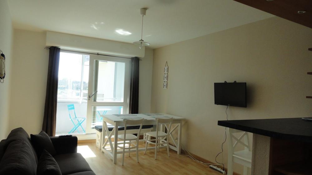 Location vacances Courseulles-sur-mer -  Appartement - 4 personnes - Télévision - Photo N° 1