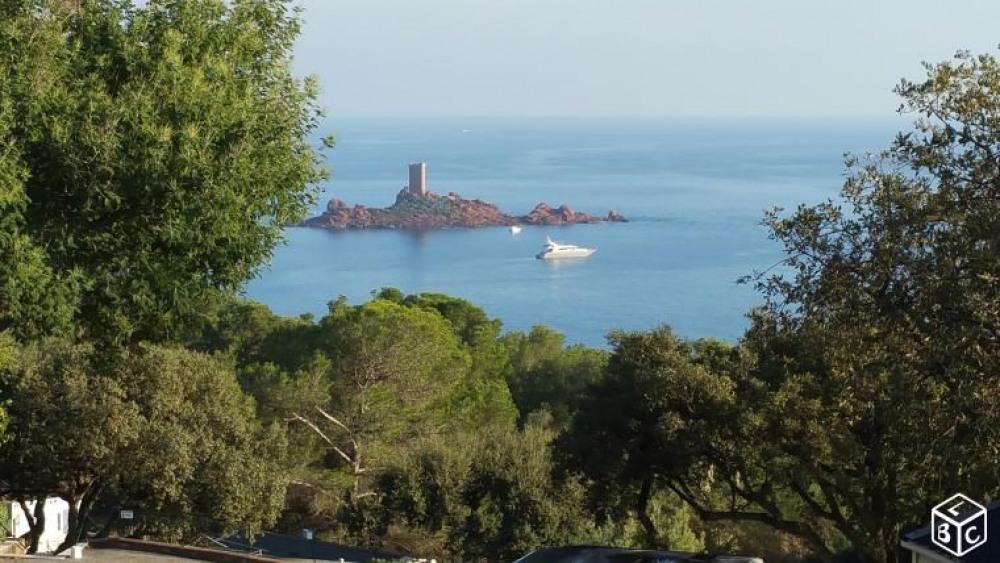 Mobil-home saint raphael face a la mer