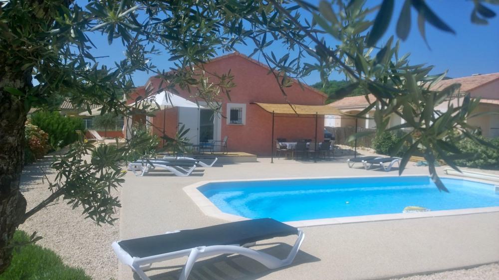 Villa 4* piscine privée chauffée, centre village à pieds