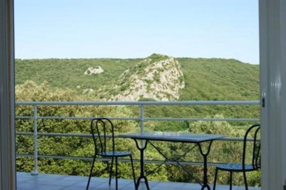 maison de caractere  chêne vert et arbousiers,piscine 3,5mX7m1,50 sécurisée,privée