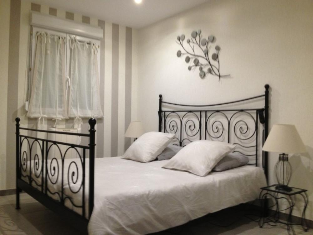 Chambre lit 180 avec 2 sommiers à sommiers à réglages électriques