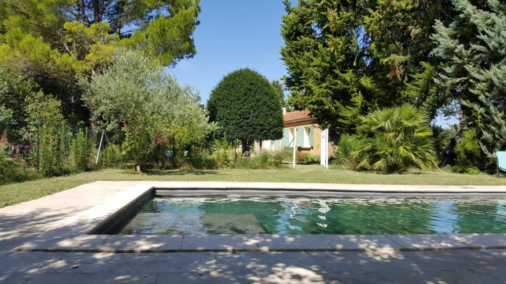 Isle sur la Sorgue, Luberon, Alpilles, maison agréable pour visiter et se reposer