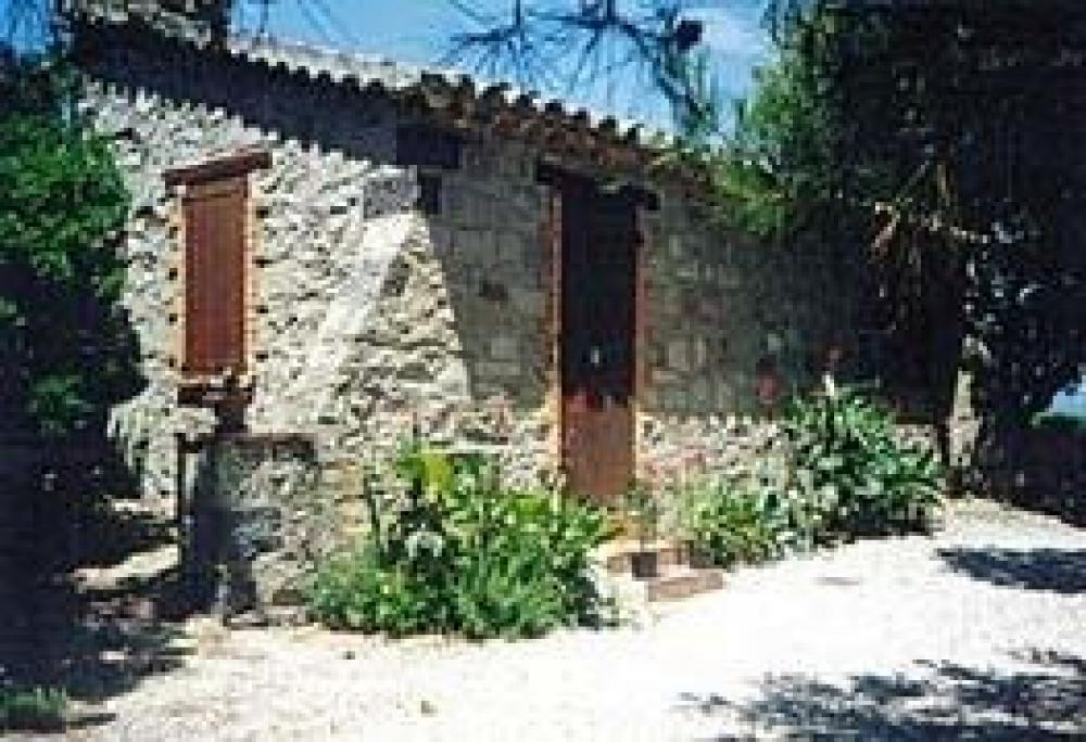 Gîtes de France Le Cabanon en campagne.