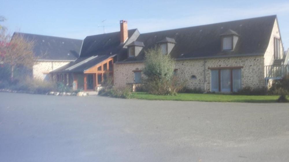 Location vacances Averton -  Gite - 28 personnes - Barbecue - Photo N° 1
