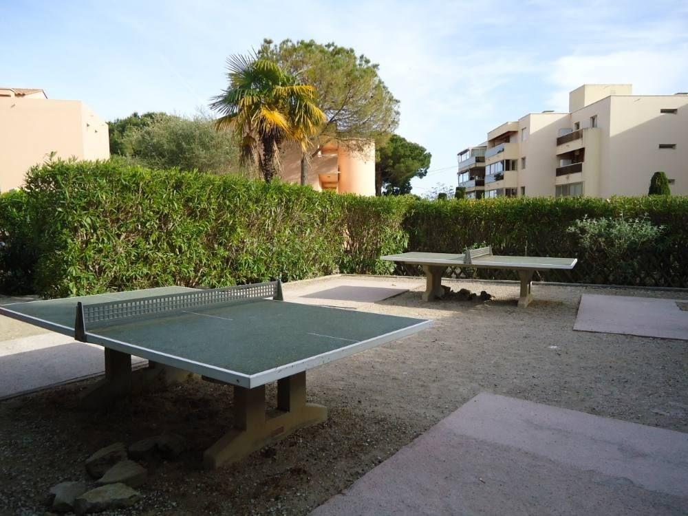 tables de tennis dans la résidence