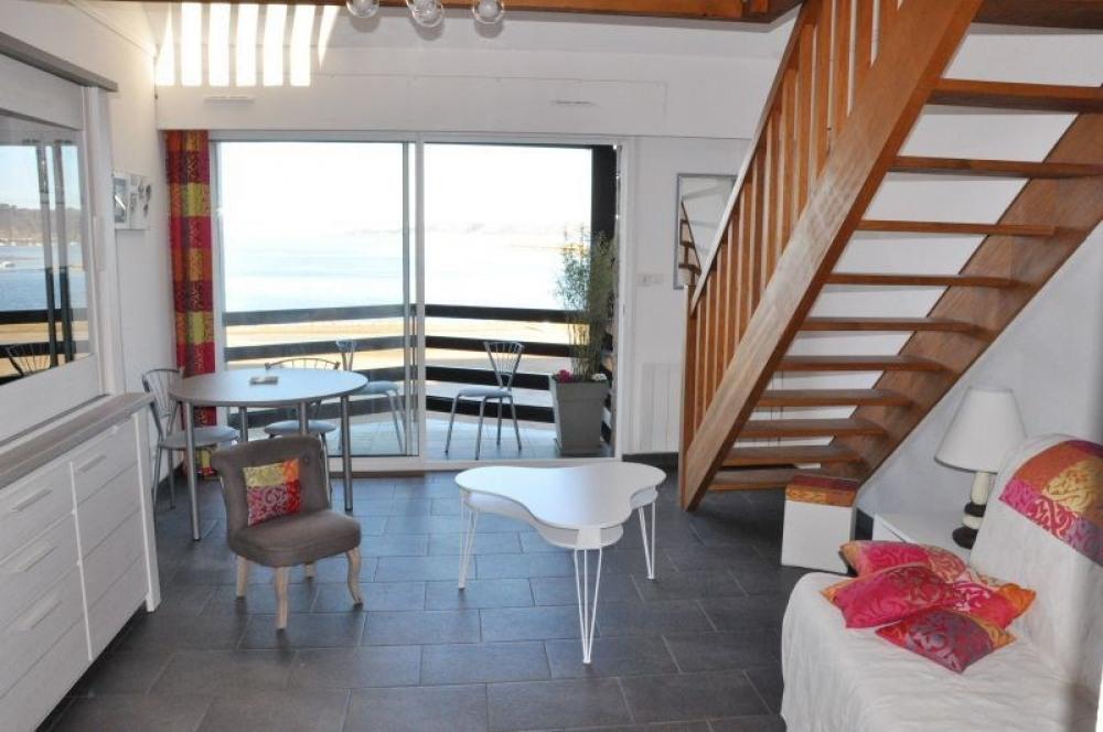 Appartement belle vue sur mer 3 étoiles en duplex au deuxième étage de la Résidence Soleil Levant...