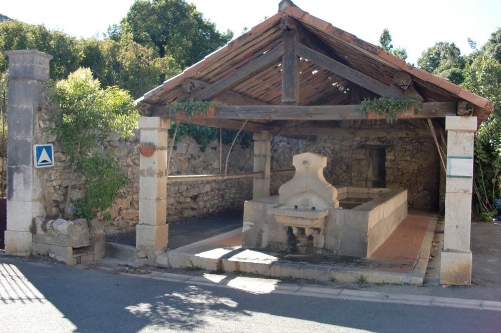 Le lavoir du village