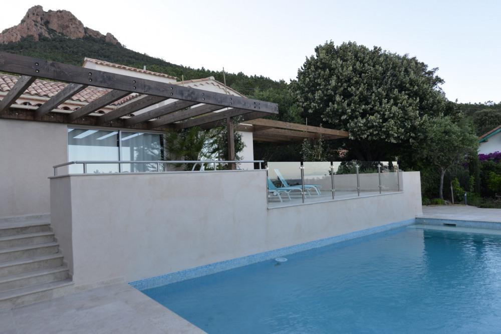 Entre Cannes et Saint Raphaël - Superbe villa 240m² - Vue mer - Piscine - SPA - Sauna - Accès privé à une crique