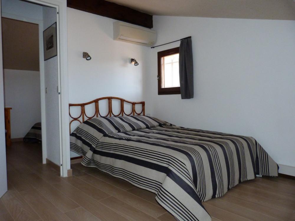 Chambre 1 climatisée (étage)