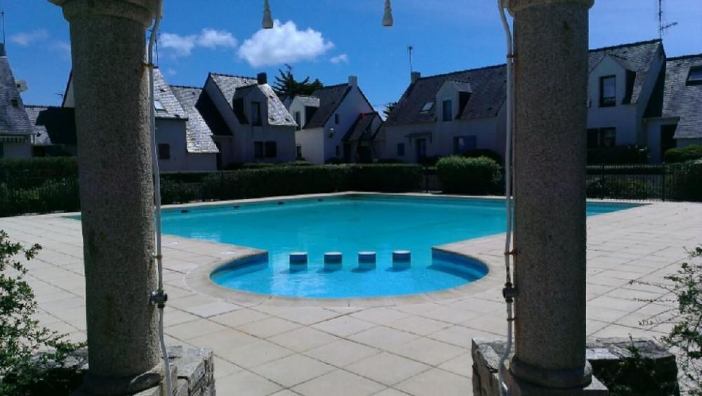 La piscine et sa pataugeoire