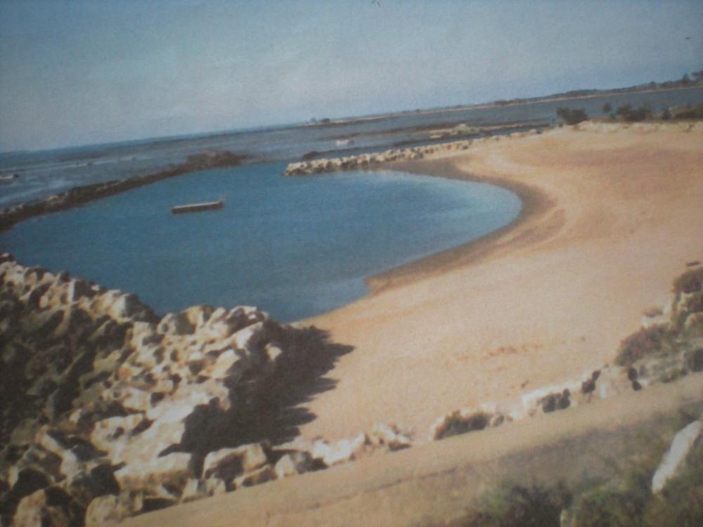plan d'eau de mer à port des barques