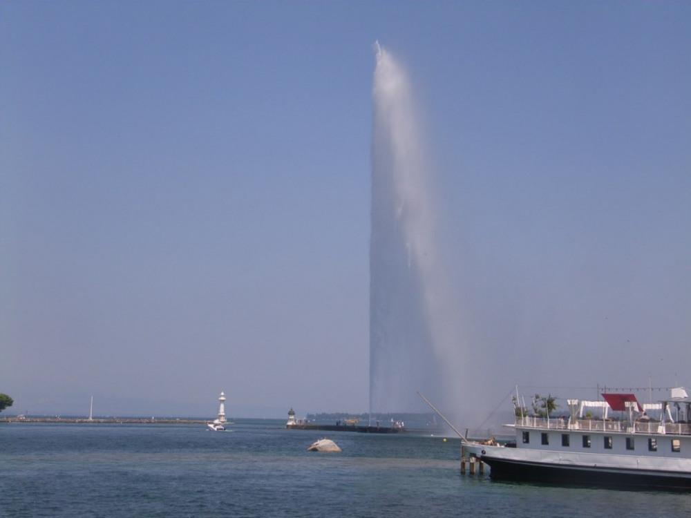 le splendide jet d'eau de Genève